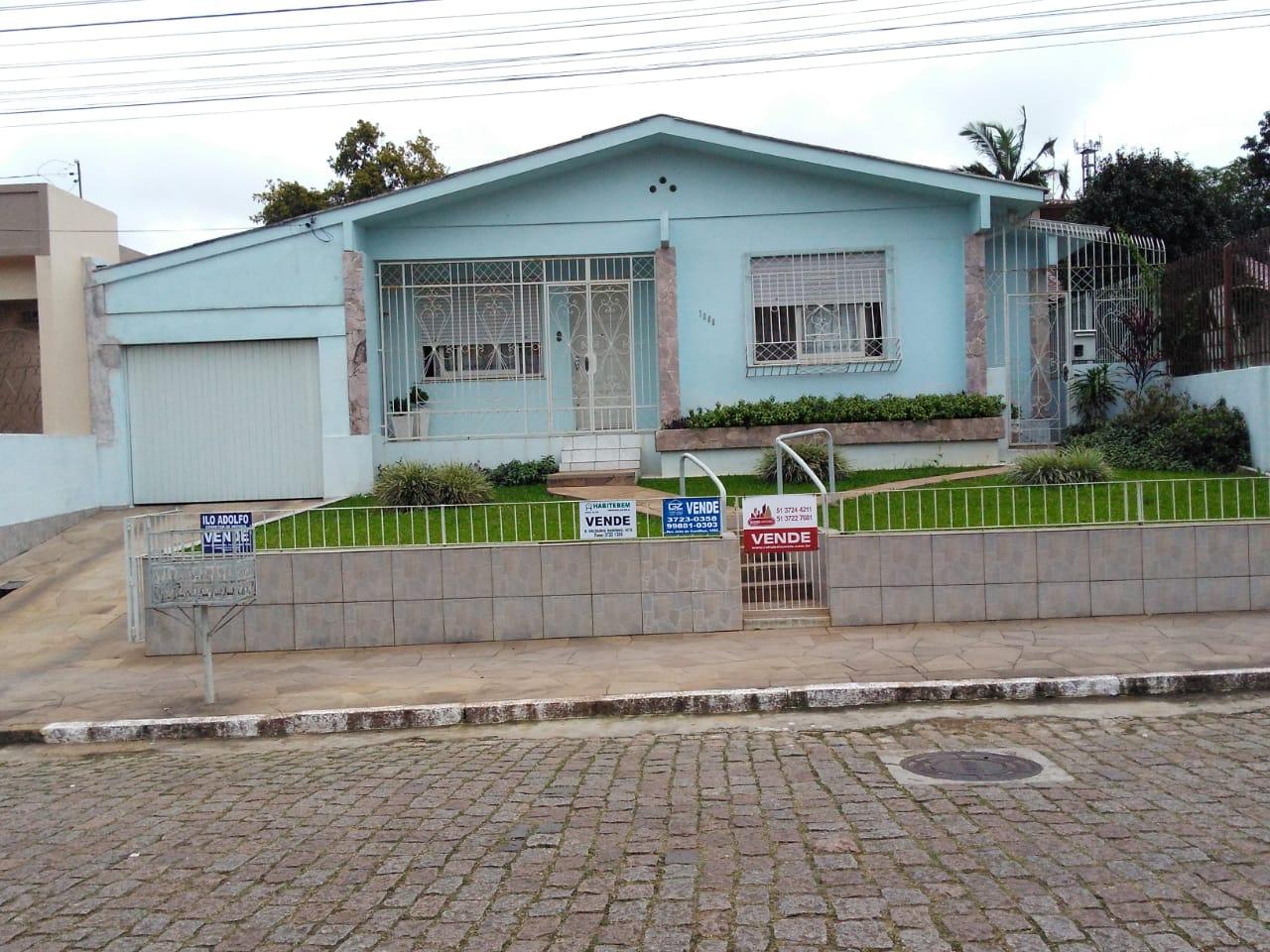 Casa de primeira no centro – Venda